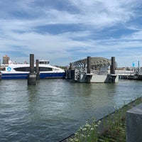 NYC Ferry - East 90th St - Yorkville - FDR Dr