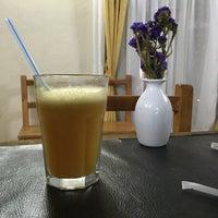 Foto tirada no(a) Café Batlle por Samaan A. em 9/20/2015