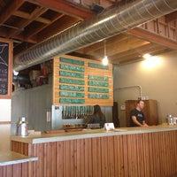 รูปภาพถ่ายที่ Fallbrook Brewing Company โดย Sarah D. เมื่อ 1/25/2014