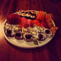 Foto tirada no(a) Mirai Japanese Cuisine por Benjamin E. em 12/23/2012