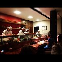 Foto tirada no(a) Mirai Japanese Cuisine por Benjamin E. em 10/7/2012