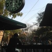 Foto tomada en Starbucks por Ramon S. el 12/8/2012