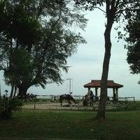 รูปภาพถ่ายที่ Pantai Mersing โดย Fadzly L. เมื่อ 3/3/2013