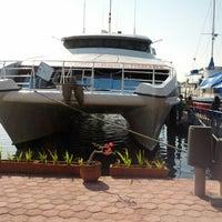 Photo prise au Bali Hai Cruises par Yunanto W. le9/16/2012