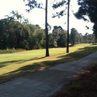 Foto scattata a Mid South Country Club da Jeannie G. il 10/2/2013