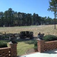 Foto scattata a Mid South Country Club da Jeannie G. il 4/10/2014