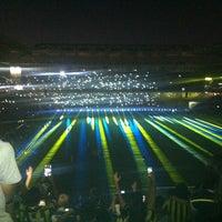 Das Foto wurde bei Ülker Stadyumu Fenerbahçe Şükrü Saracoğlu Spor Kompleksi von Gokhan Y. am 7/24/2013 aufgenommen