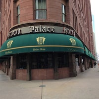 Foto tirada no(a) The Brown Palace Hotel and Spa por Blair A. em 1/30/2013