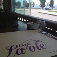 Foto tomada en Cafe La Vie por tugce a. el 5/25/2013