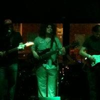 รูปภาพถ่ายที่ Green Room Athens โดย Robert C. เมื่อ 4/16/2013