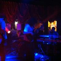 รูปภาพถ่ายที่ Green Room Athens โดย Robert C. เมื่อ 8/14/2013