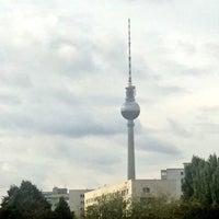 Das Foto wurde bei Dachterasse Andreasstraße 22 von Adam G. am 10/7/2016 aufgenommen