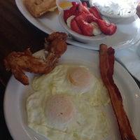 8/10/2014 tarihinde Amir B.ziyaretçi tarafından Pann's Restaurant & Coffee Shop'de çekilen fotoğraf