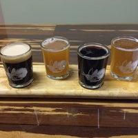 รูปภาพถ่ายที่ Firefly Hollow Brewing Co. โดย Jen L. เมื่อ 10/27/2013