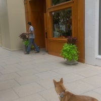 Photo prise au Three Dog Bakery par Miss Hello Kitty le9/16/2012