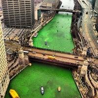 3/16/2013 tarihinde Vinny L.ziyaretçi tarafından Chicago Riverwalk'de çekilen fotoğraf