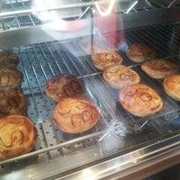 รูปภาพถ่ายที่ Pie Face โดย Laura J. เมื่อ 2/9/2013