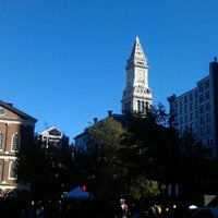 Foto tirada no(a) Boston Massacre Monument por птица em 10/18/2012