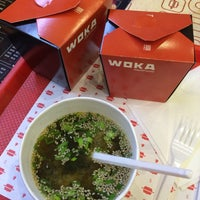 Das Foto wurde bei Woka Asia Food von Anarochka O. am 4/9/2015 aufgenommen