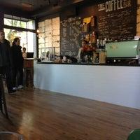 4/23/2013 tarihinde Desiree D.ziyaretçi tarafından The Coffee Bar'de çekilen fotoğraf