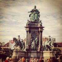 9/20/2013 tarihinde BeLiz M.ziyaretçi tarafından Maria-Theresien-Platz'de çekilen fotoğraf