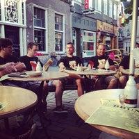 Foto diambil di Café Bruxelles oleh Matthias H. pada 8/3/2013