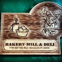 Foto tirada no(a) Bakery Mill & Deli por Christopher J. em 3/29/2013
