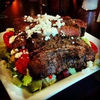Снимок сделан в Vellos Historic Brickstreet Grill пользователем Christopher J. 11/14/2012