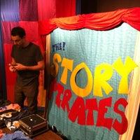 Das Foto wurde bei Drama Book Shop von Jon G. am 9/29/2012 aufgenommen