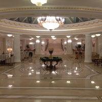 Das Foto wurde bei The Official State Hermitage Hotel von Victor D. am 9/29/2013 aufgenommen