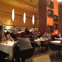 11/26/2012 tarihinde Gloria R.ziyaretçi tarafından Menza étterem és kávézó'de çekilen fotoğraf