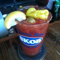 Foto tomada en Siesta Key Oyster Bar por Michael B. el 11/18/2012