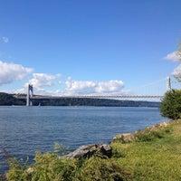 Снимок сделан в Riverside Drive & West 155 Street пользователем Kate G. 9/29/2013
