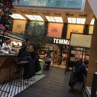 Foto tirada no(a) The Q. Food Court por Олег М. em 1/29/2015