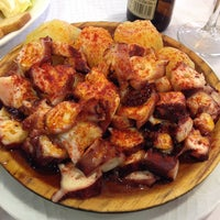 รูปภาพถ่ายที่ Restaurante La Marina Puerto De Vega โดย Bichicienta เมื่อ 8/12/2014