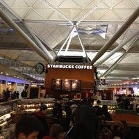 Foto tirada no(a) London Stansted Airport (STN) por Stein W. em 4/7/2013