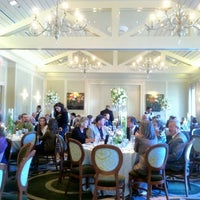 Das Foto wurde bei Brennan's of Houston von David J. am 10/27/2012 aufgenommen