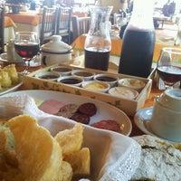Foto tirada no(a) Café Colonial Walachay por Soraia  Hutten B. em 5/1/2014