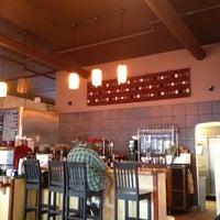 2/14/2013 tarihinde Tim N.ziyaretçi tarafından Chilkoot Cafe and Cyclery'de çekilen fotoğraf