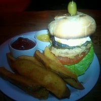 5/22/2013 tarihinde Keith L.ziyaretçi tarafından Sugar Bar'de çekilen fotoğraf