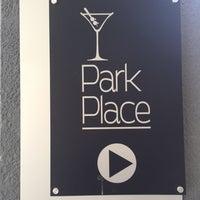 Foto tirada no(a) Park Place Bar & Grill por Alex M. em 10/30/2016