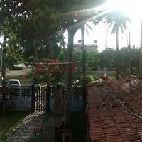 รูปภาพถ่ายที่ La Rocca Brasil - Beach Hostel Porto de Galinhas โดย Carol O. เมื่อ 12/28/2014