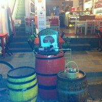 9/18/2012 tarihinde Gizem S.ziyaretçi tarafından Ada Cafe'de çekilen fotoğraf
