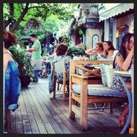 8/9/2013 tarihinde Ceren B.ziyaretçi tarafından Aşşk Kahve'de çekilen fotoğraf