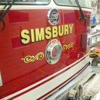 Das Foto wurde bei Weatogue Fire House von Tyler B. am 2/8/2013 aufgenommen