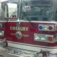 Das Foto wurde bei Weatogue Fire House von Tyler B. am 12/26/2012 aufgenommen