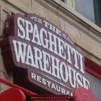 Снимок сделан в Spaghetti Warehouse пользователем Michelle A. 7/2/2013