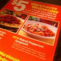 Снимок сделан в Spaghetti Warehouse пользователем Michelle A. 9/11/2013