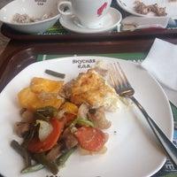 รูปภาพถ่ายที่ Oliva вкусная еда โดย Lelya V. เมื่อ 5/21/2017