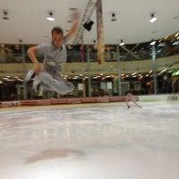 รูปภาพถ่ายที่ Айс Холл / Ice Hall โดย Denys D. เมื่อ 9/24/2012